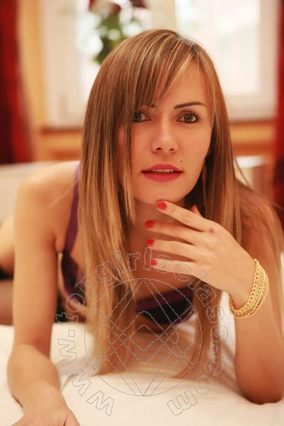 Chiara Latina  MILANO 3421205702